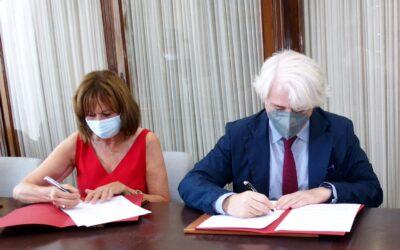 Alumni UMA y el Colegio de Abogados de Málaga firman un acuerdo para fomentar el pensamiento libre a través de ciclos de debate, conferencias y actividades culturales